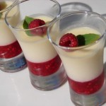 Gelée de chocolat blanc, framboises et basilic