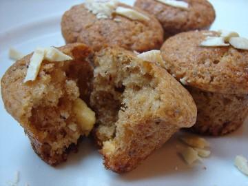 Muffins au chocolat blanc et aux noisettes