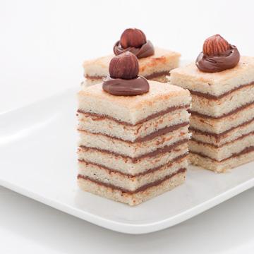Gâteau rayé au Nutella® et aux noisettes