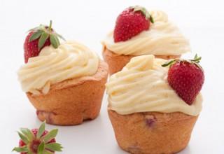 Cupcakes comme des fraisiers