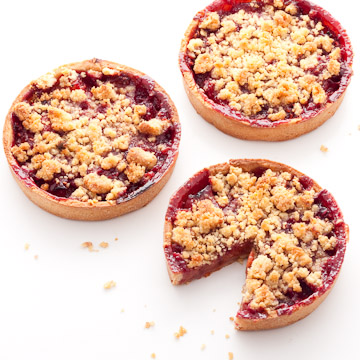 tartelettes crumble aux abricots framboises et gingembre chocolat caetera. Black Bedroom Furniture Sets. Home Design Ideas