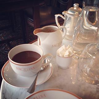 Chocolat chaud chez Angelina Lyon