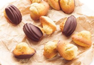 Madeleines en coques de chocolat